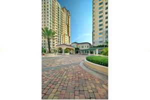19333 W Country Club Dr - Aventura, FL 33180