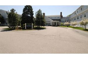 200 W Farm Pond Rd - Framingham, MA 01702