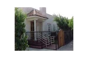 825 Larrabee St - West Hollywood, CA 90069