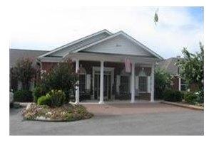2857 Cape Lacroix Rd - Cape Girardeau, MO 63701