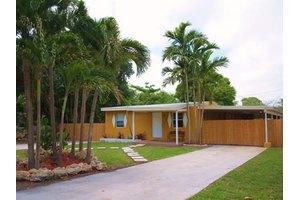 Adiuvo 5, Miami, FL