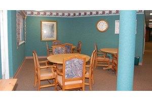 1651 S Pinellas Ave - Tarpon Springs, FL 34689