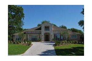 10754 Saint Michaels Dr - Dallas, TX 75230