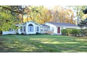 137 Northigh Dr - Worthington, OH 43085