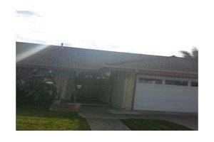 10182 Edye Dr - Huntington Beach, CA 92646