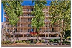 2701 Capitol Avenue - Sacramento, CA 95816