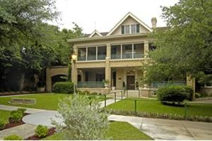 1502 Howard St - San Antonio, TX 78212