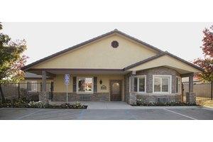 5425 W Spruce Ave - Fresno, CA 93722