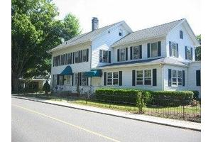 59 S Main St - Essex, CT 06426