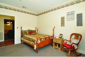 Photo 2 - Rosewood Manor, 1513 County Park Rd, Scottsboro, AL 35769