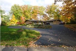 31476 W Stonewood Ct - Farmington Hills, MI 48334