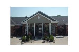 1830 Ravenwood Dr - Moberly, MO 65270