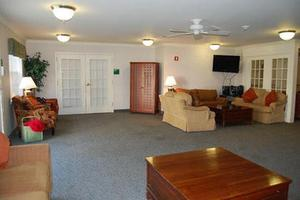 690 Cooper Rd - Westerville, OH 43081