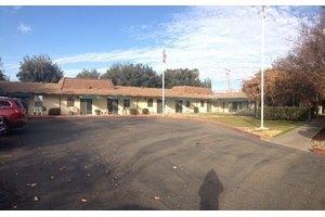 1321 S Fairmont Ave - Lodi, CA 95240