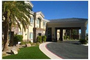 8374 Capovilla Avenue - Las Vegas, NV 89113