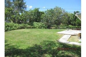1130 NE 136th St - Miami, FL 33161