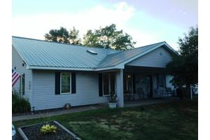 W7184 Green Valley Rd - Spooner, WI 54801