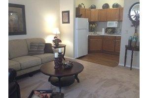 800 College Pkwy - Lewisville, TX 75077