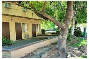 Photo 12 - Leisure Manor Senior Living, 2901 El Camino Ave, Sacramento, CA 95821