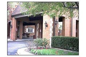 Photo 7 - American House East I Senior Living, 17255 Common Rd., Roseville, MI 48066