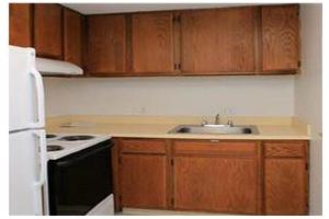 Photo 3 - Jaclen Tower Apartments, 215 Rantoul Street, Beverly, MA 01915