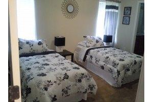 10975 Campus Heights Ln - Jacksonville, FL 32218