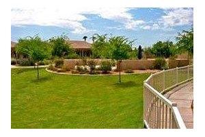 2606 E Greenway Pkwy - Phoenix, AZ 85032